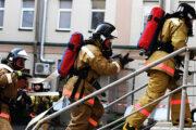 Пожарные сыграли в шашки под водой в Нижнем Тагиле: Люди: Моя страна: Lenta.ru