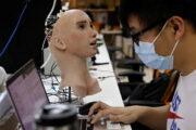 Человечеству предсказали ускоренную замену на роботов: Бизнес: Экономика: Lenta.ru