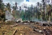Число погибших при крушении самолета на Филиппинах увеличилось до 50: Происшествия: Мир: Lenta.ru