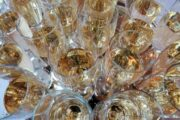 СМИ: Moet Hennessy предупредил об остановке отгрузок шампанского в Россию