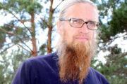 Российский священник стал арбитром и отучил хоккеистов от драк и мата: Люди: Моя страна: Lenta.ru