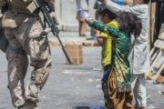 В США призвали вывезти из Афганистана сирот: Общество: Мир: Lenta.ru