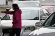 «Серая» зарплата и армия: как Британия справляется с топливным кризисом